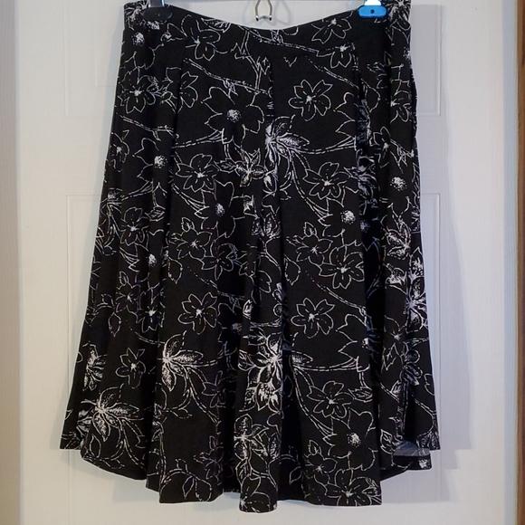 NWOT Lularoe Floral Madison Skirt - Large